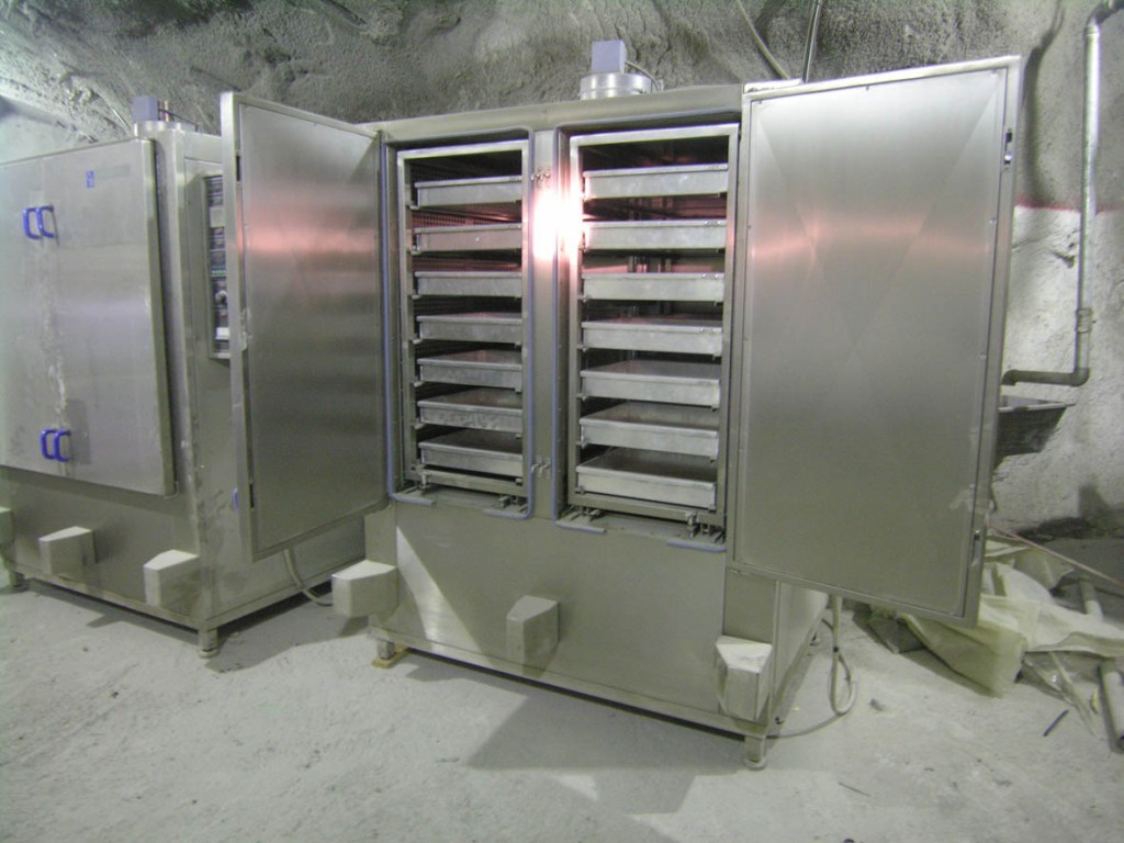 Labotec drying ovens : Mining Samples Tested Underground in World Class Operation